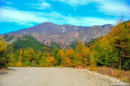 Тенькинская трасса, осень