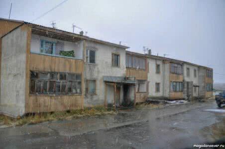 Тенькинская трасса, п. Омчак, дома